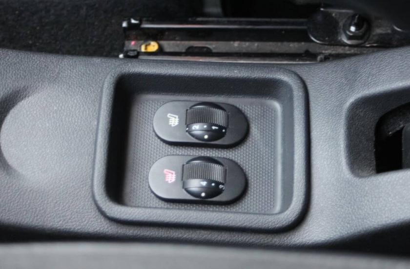 Подогрев сидений на Renault Sandero 2010